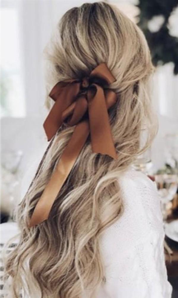 peinado cabello suelto con ondas
