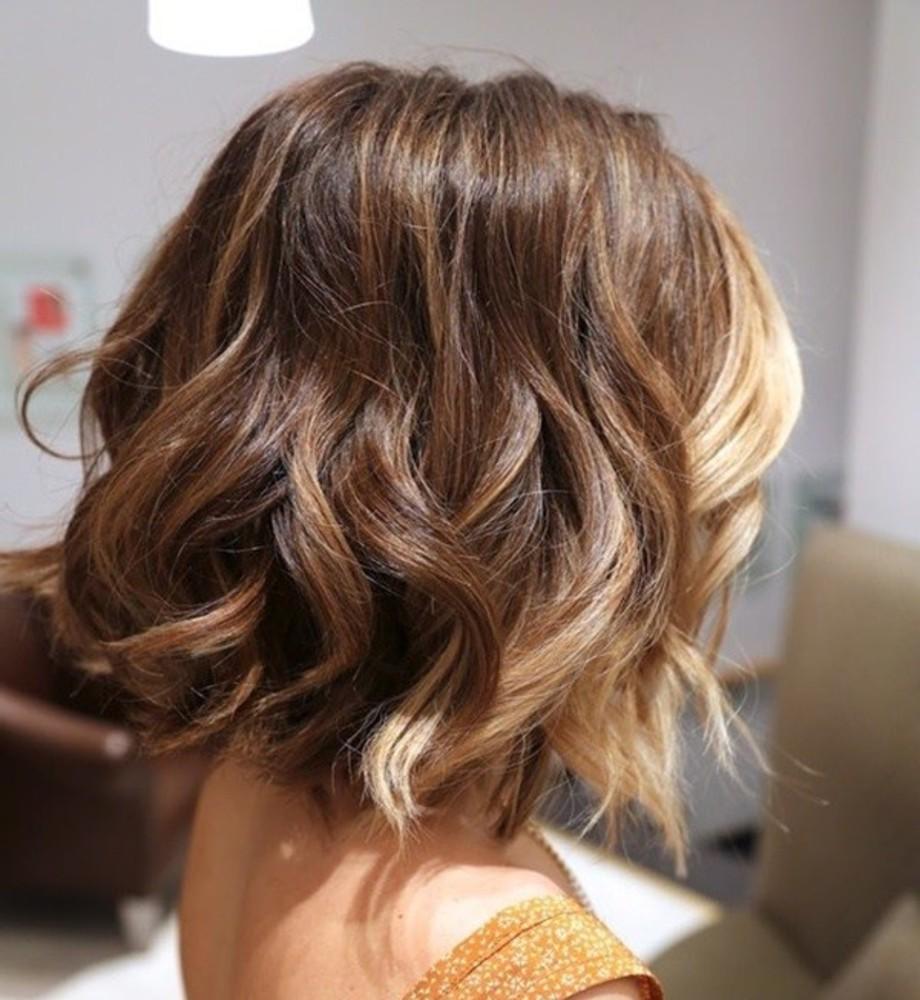 peinado con ondas para cabello corto